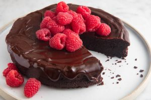 Cake fondant au chocolat et framboises